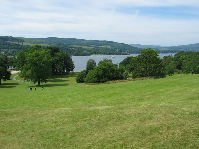 Balloch Castle grounds looking to Loch Lomond. - geograph.org.uk - 207058