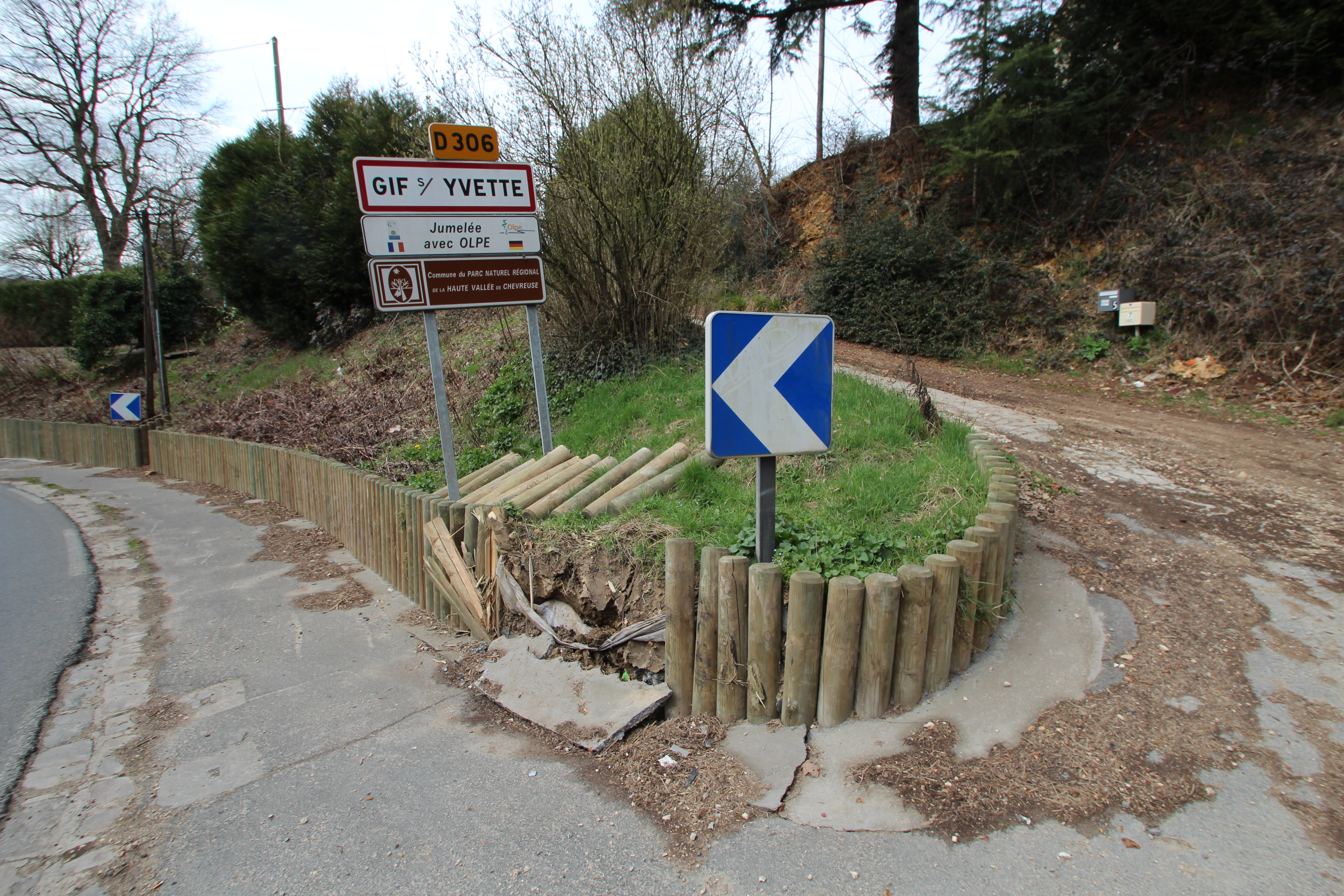 barrière extérieure en bois