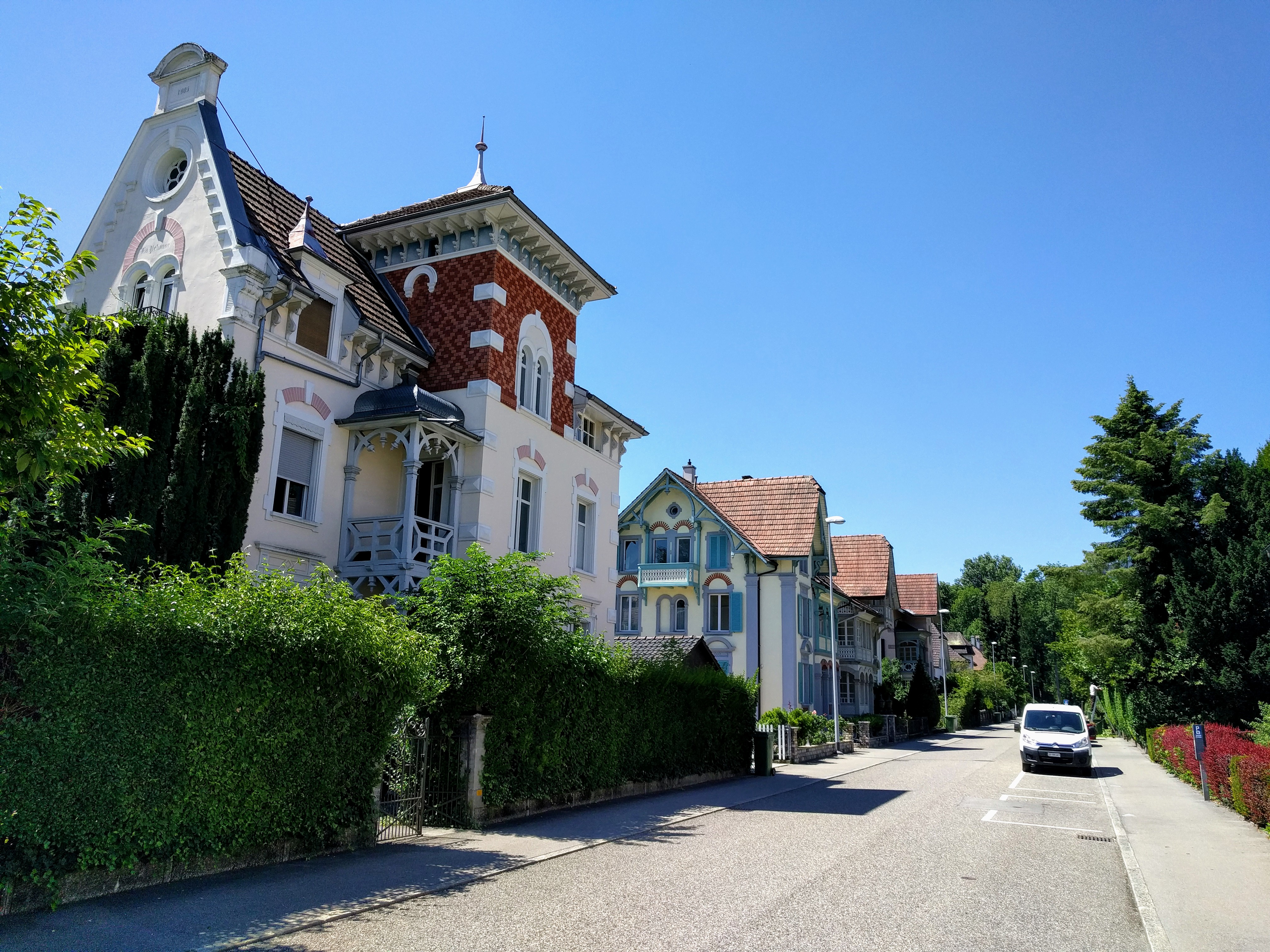 File Biel Street With Nice Houses Jpg Wikimedia Commons