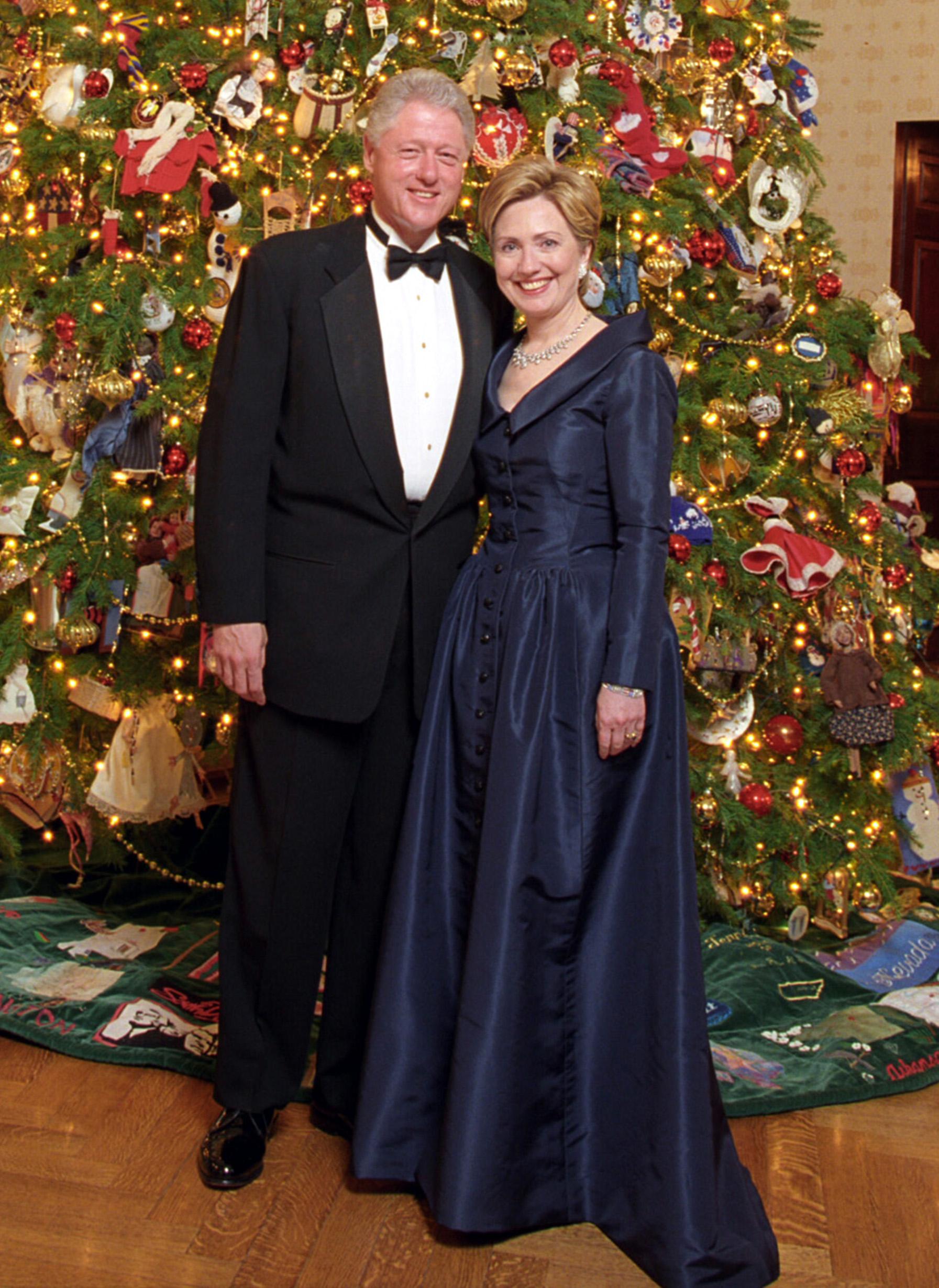 Hillary Clinton Christmas.File Bill And Hillary Clinton Christmas Portrait 2000 Cropped1 Jpg