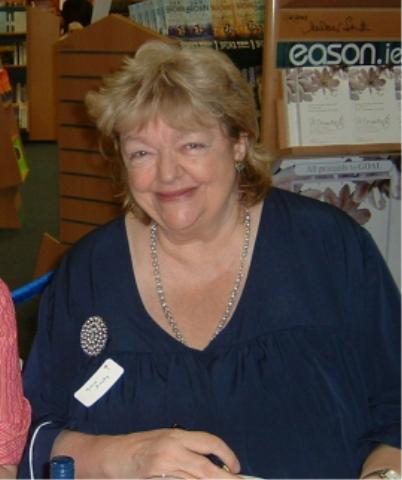 Maeve Binchy in 2006 at a book signing in [[Dublin]]