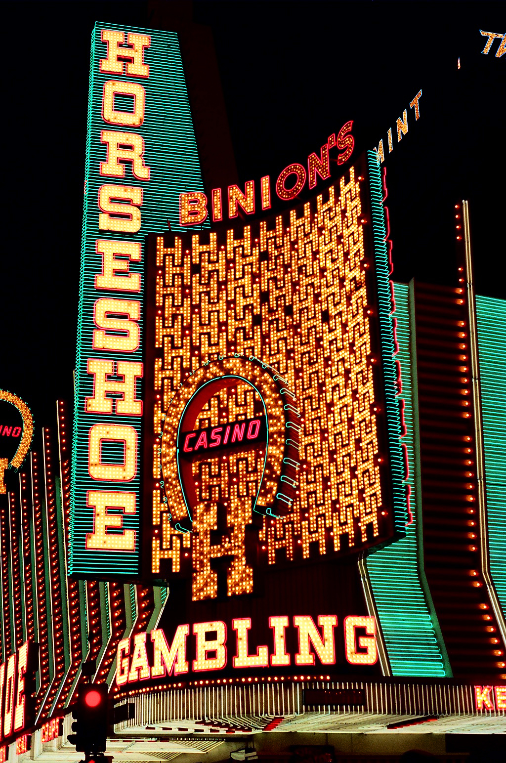 Binions golden horseshoe casino treasure island casino games
