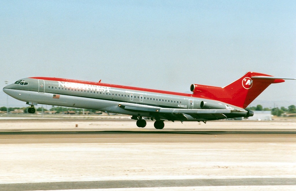 a company analysis of the northwest airlines Free essay: (case analysis: northwest airlines and the detroit snowstorm 1 what exactly went wrong how bad was this situation ans: there was a snowstorm.