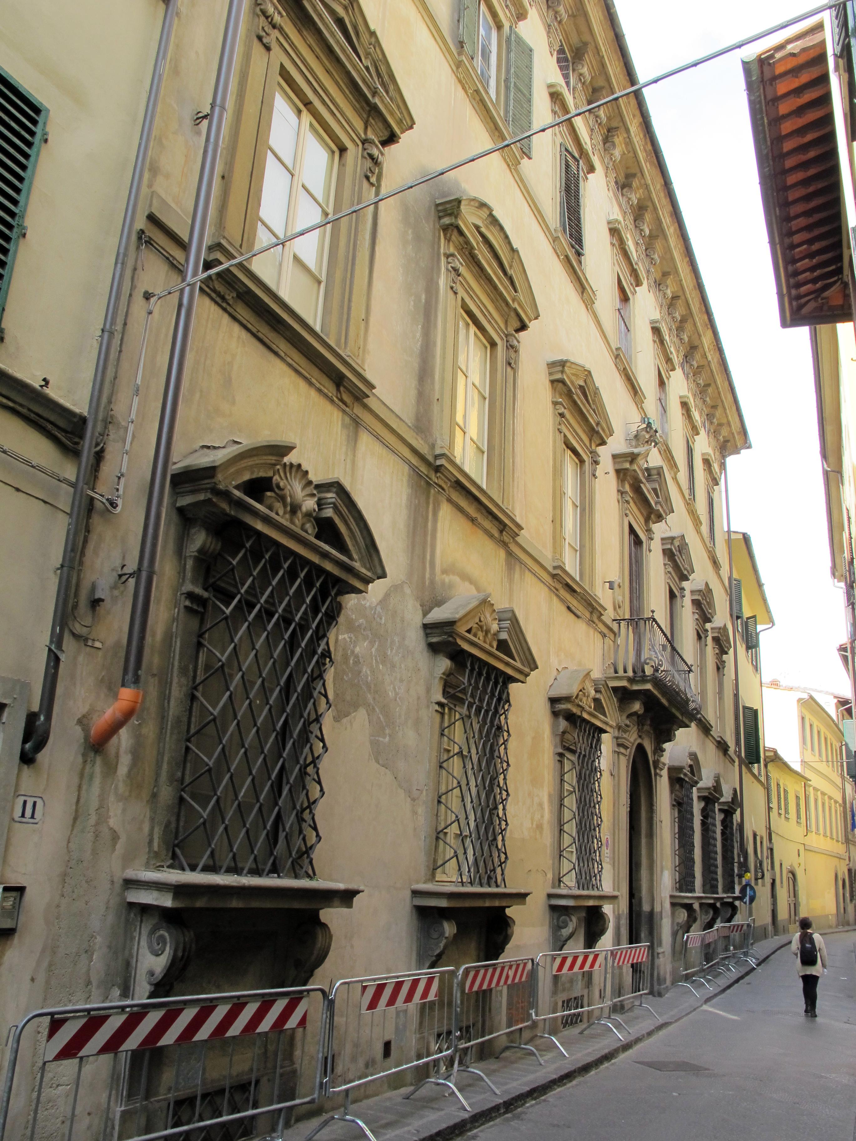 Borgo_pinti_13%2C_palazzo_roffia_01.JPG