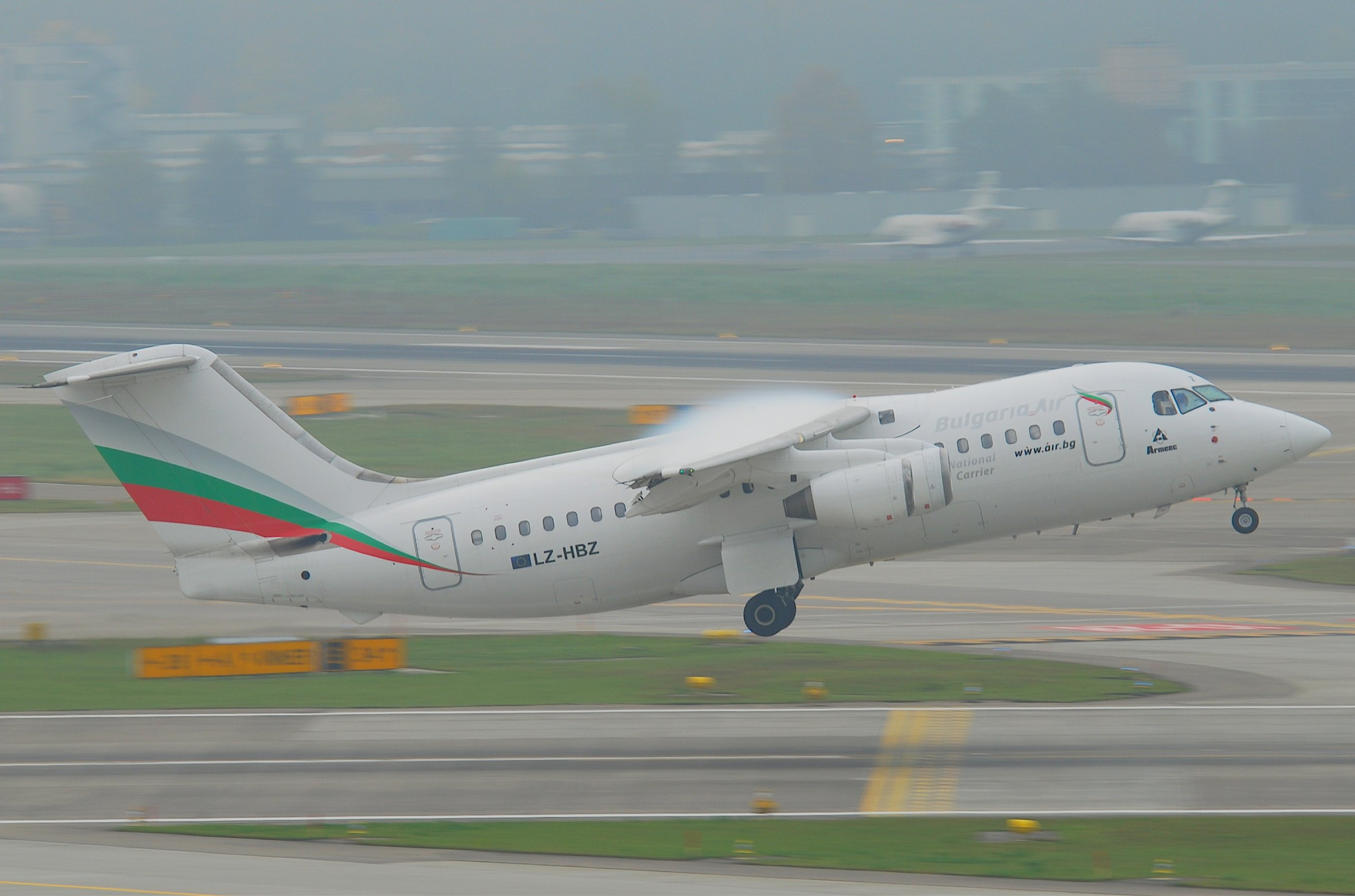 File Bulgaria Air Bae 146 200 Lz Hbz Zrh 28 10 2011 629bv