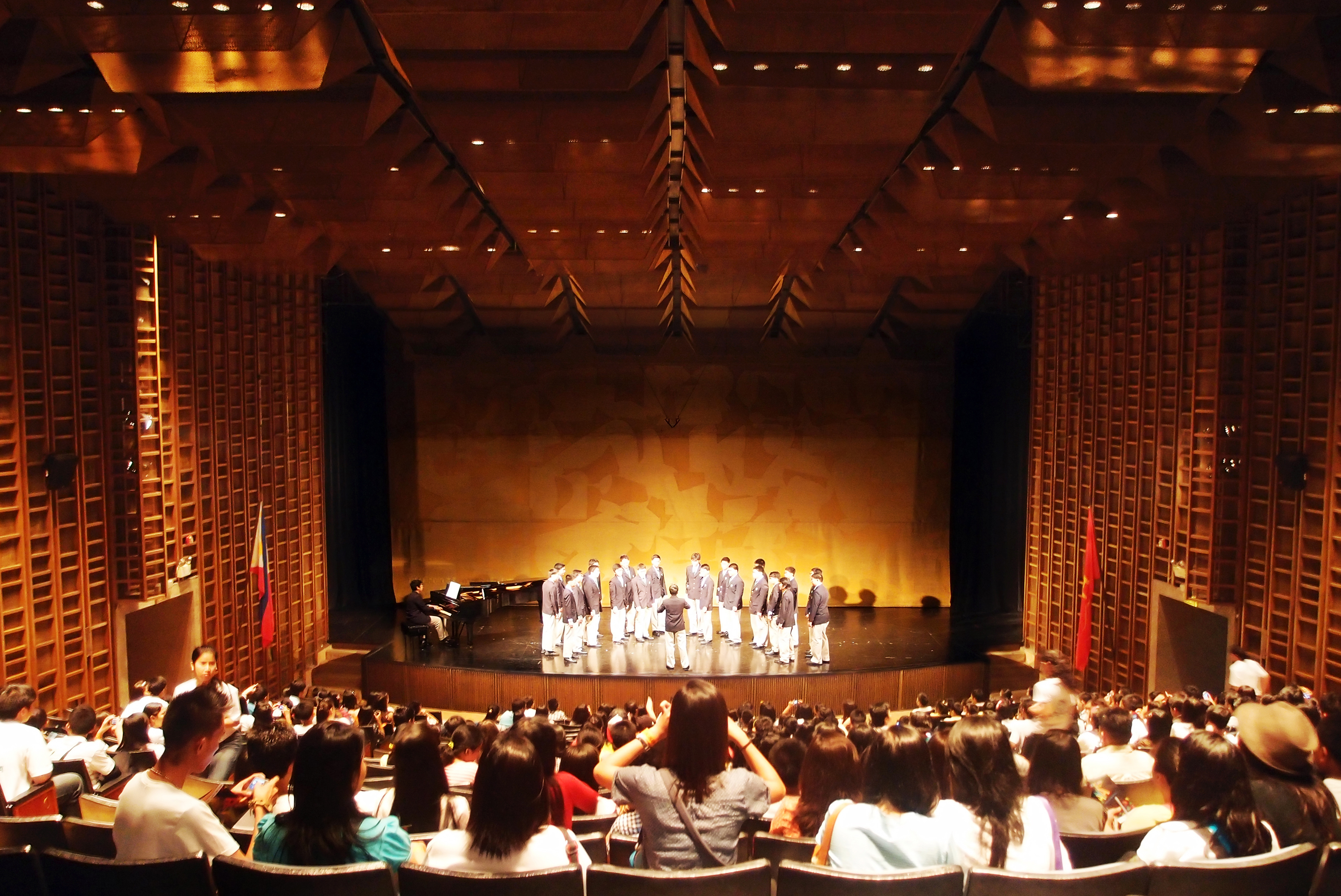 ccp tolentino tanghalang aurelio pambansa cultural wikipedia commons philippines center main wikimedia sa