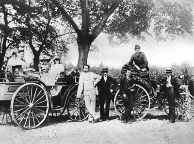 Karl Benz, his family and Theodor Baron von Liebieg in 1894, on a trip from Mannheim to Gernsheim driving a Benz Viktoria and a Vis-à-Vis Benz Patent Motor Car