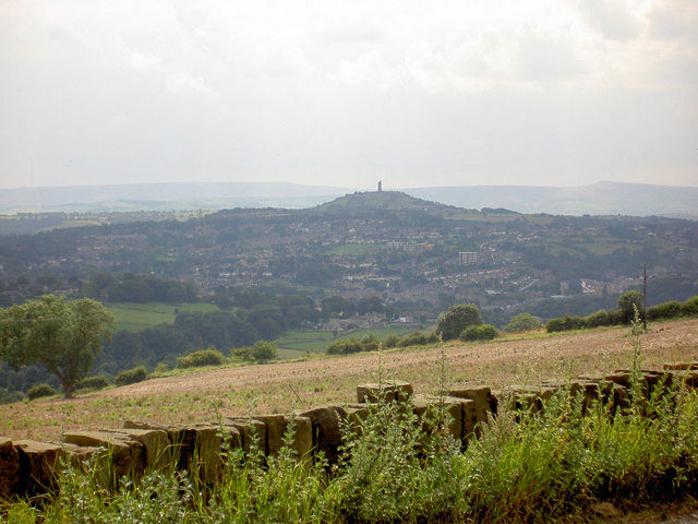 Castle Hill Huddersfield. - geograph.org.uk - 520251