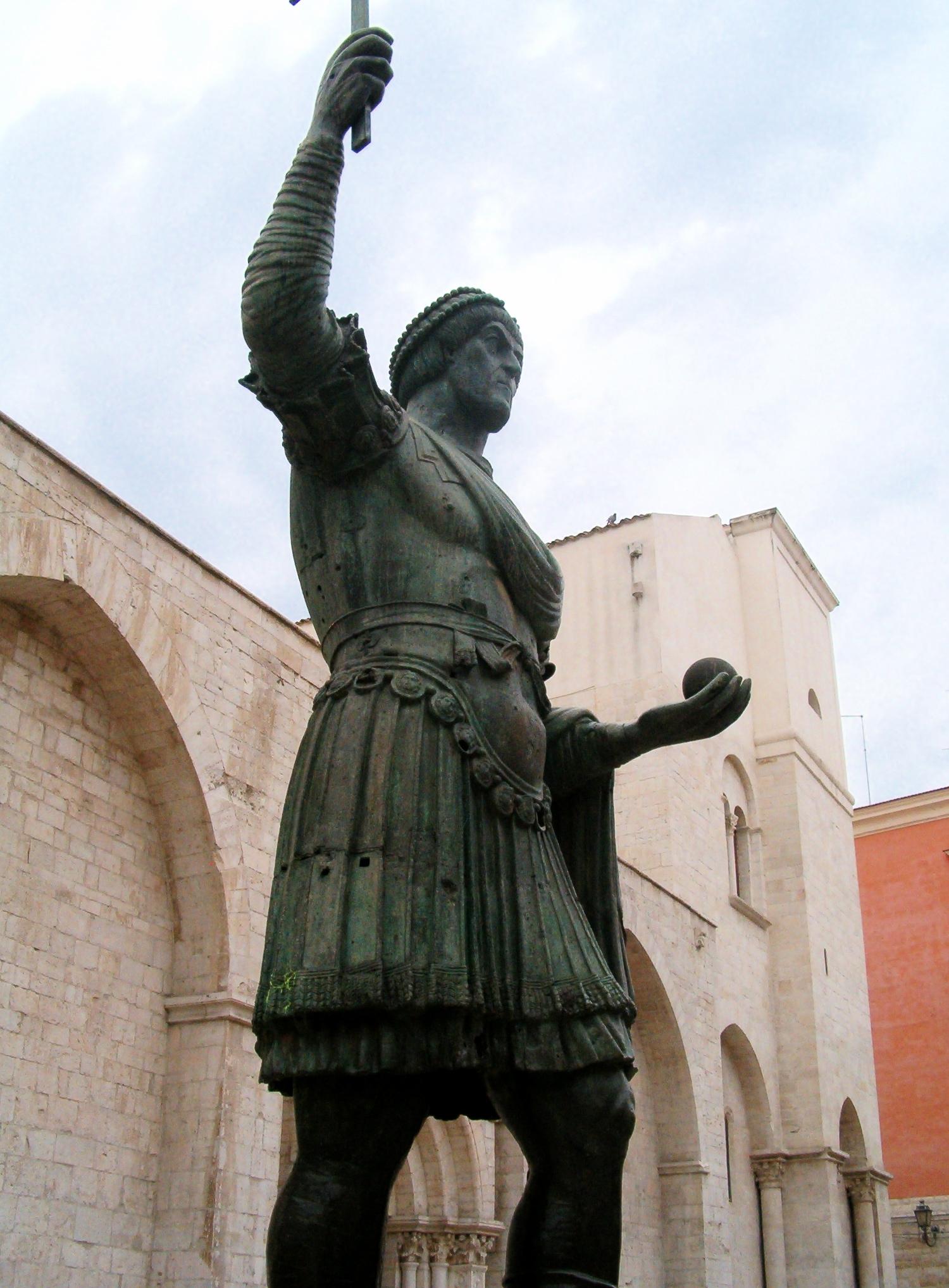 alfarano sindaco barletta statue - photo#6