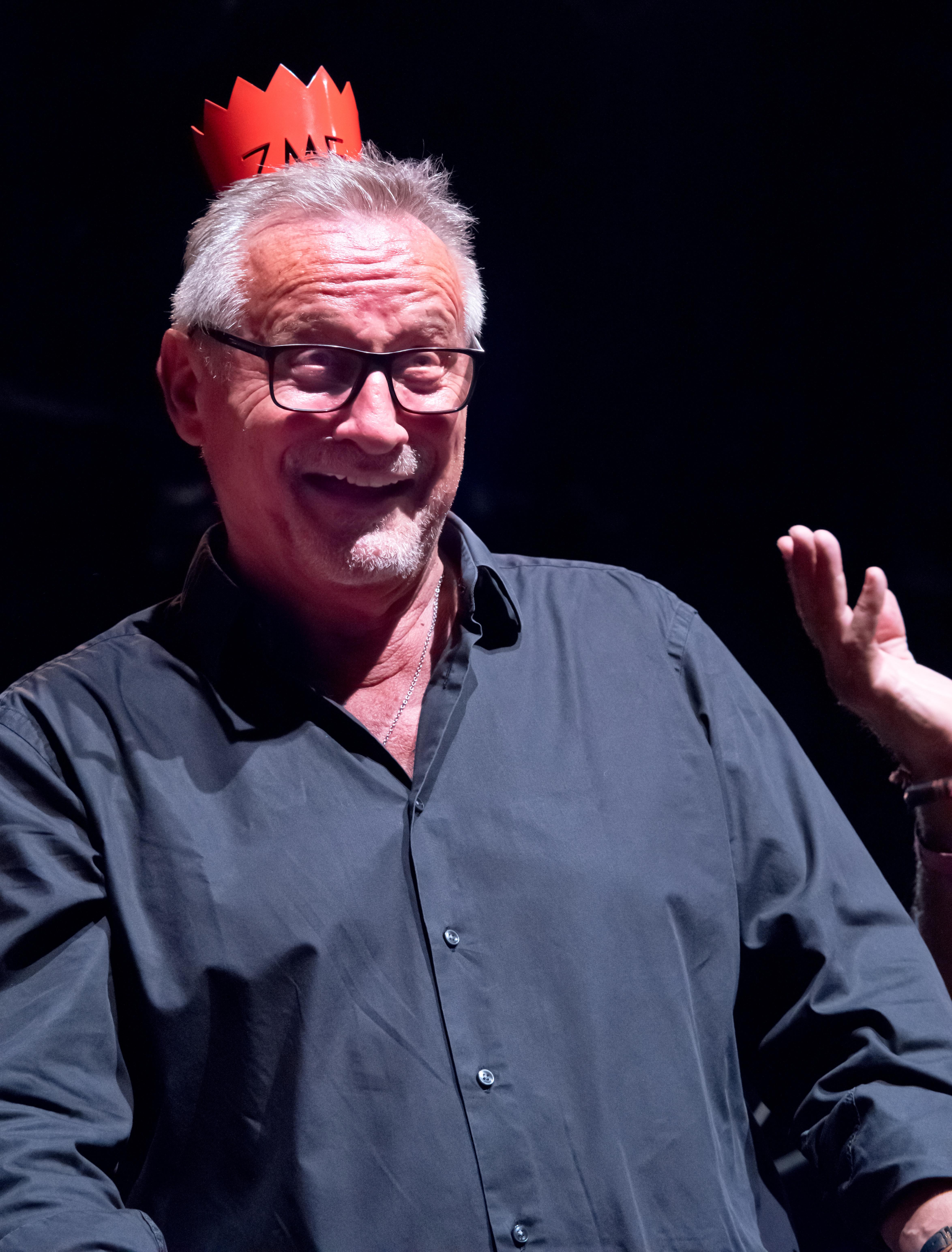 Constantin Wecker como ganador del premio honorífico en el Zelt-Musik-Festival 2018 en Friburgo, Alemania