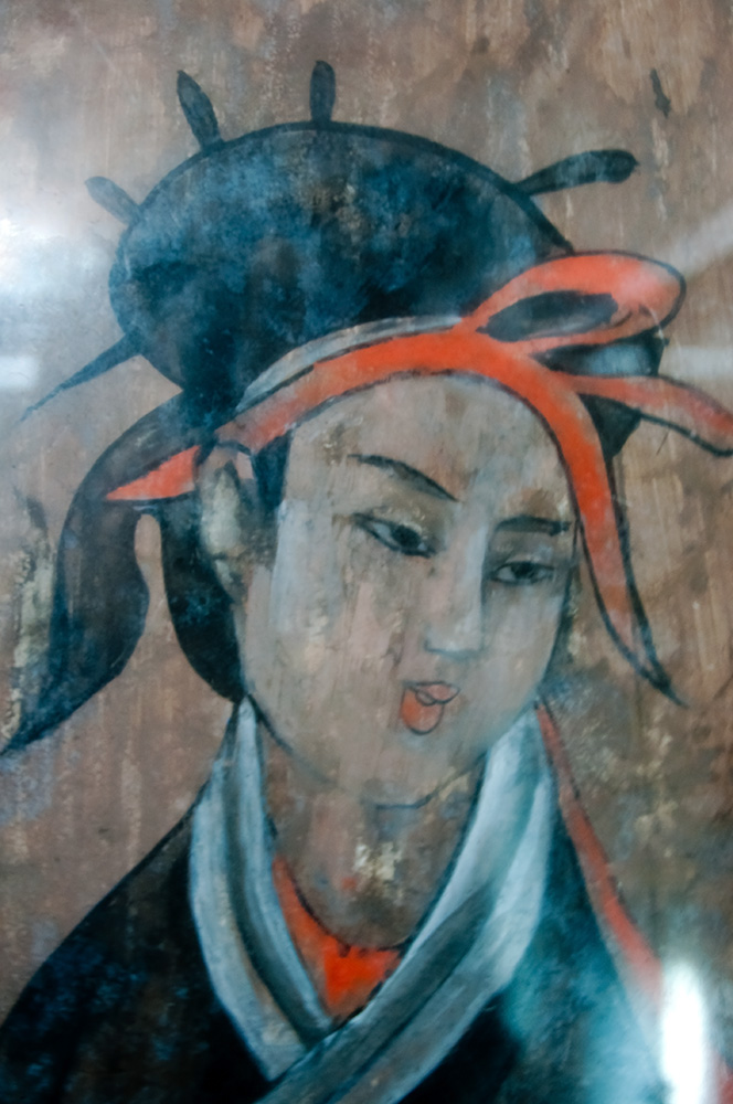 File dahuting tomb mural detail of a woman eastern han for Chinese mural painting