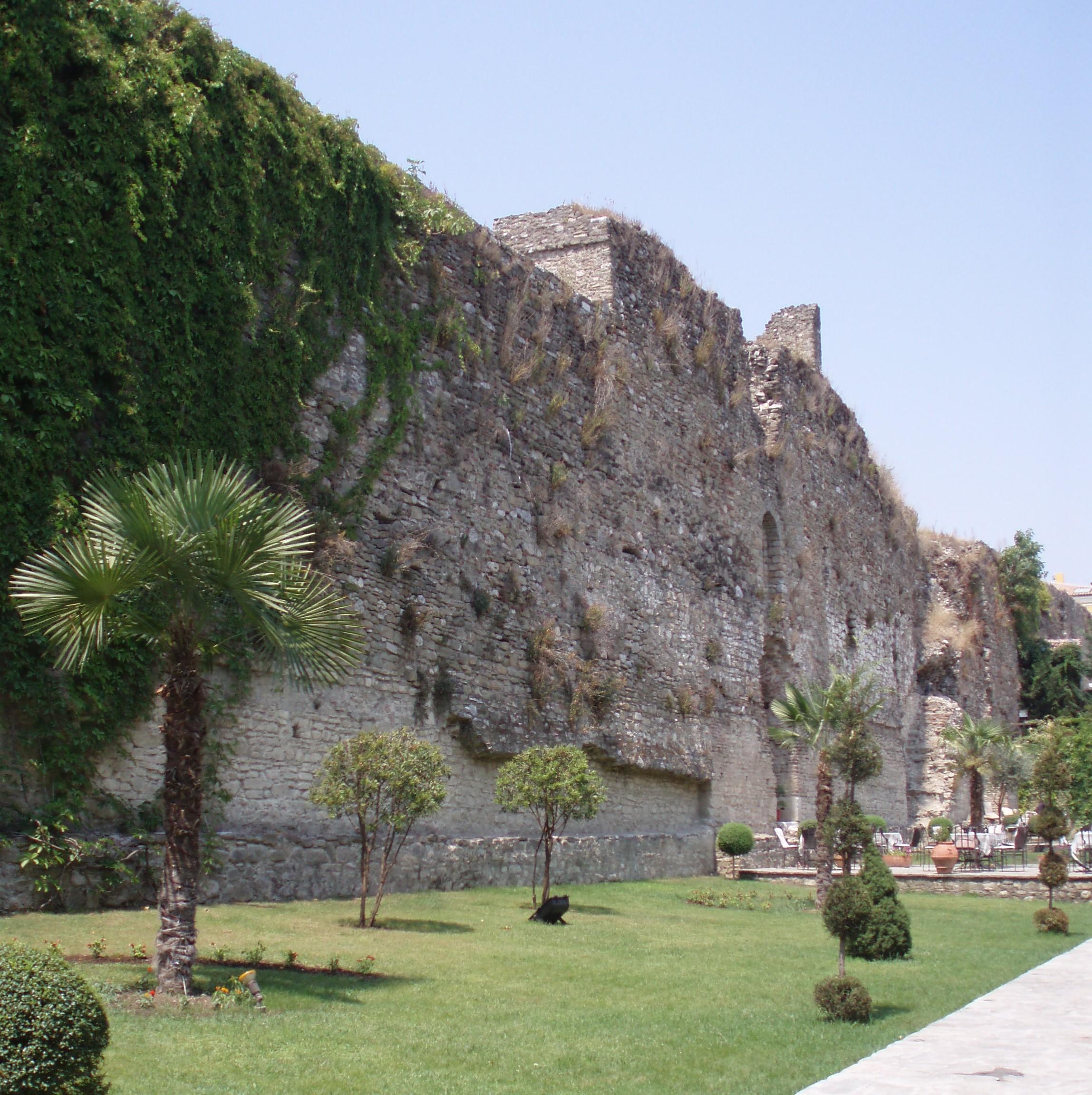 castello di elbasan albania