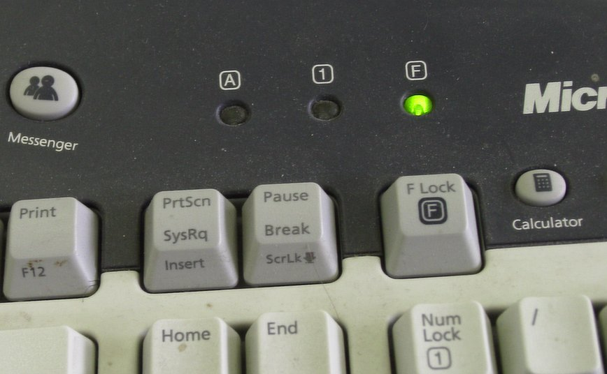 how to turn off num lock on logitech keyboard