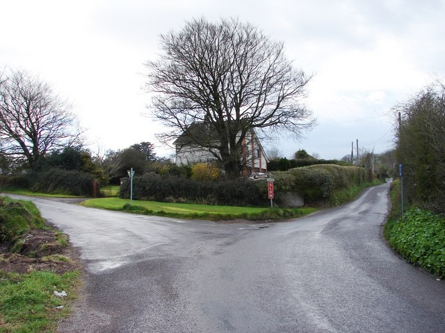 File:Fork in Road - geograph.org.uk - 760119.jpg