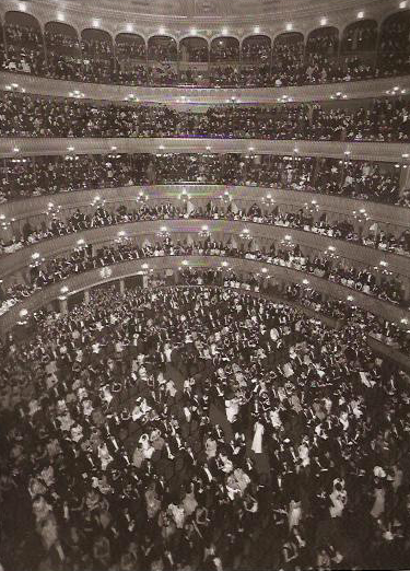 File:Funcion de gala Teatro Colon 1935.png
