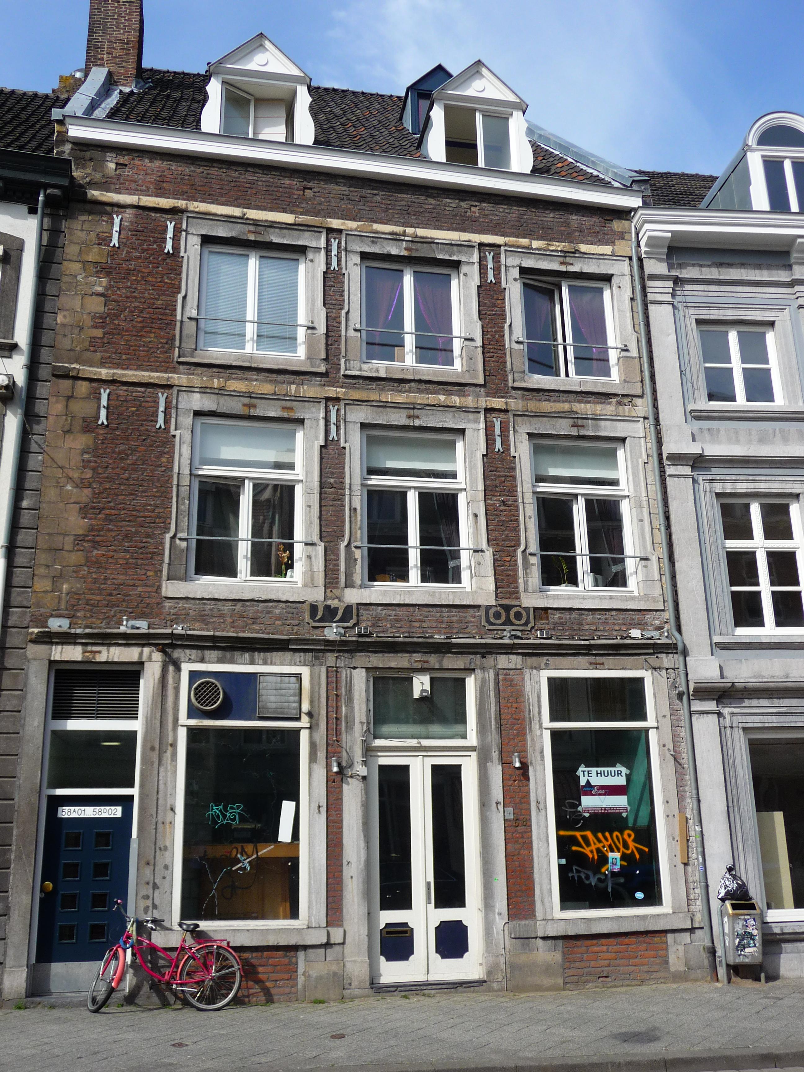Huis met lijstgevel in maastricht monument for Huis te koop maastricht