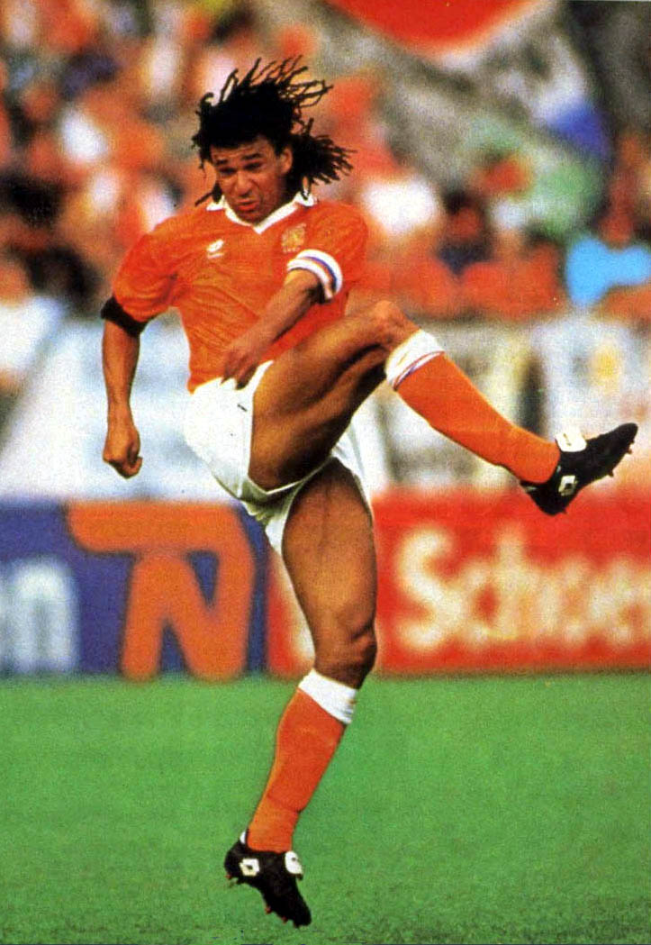 The 58-year old son of father George Gullit and mother Ria Dil Ruud Gullit in 2021 photo. Ruud Gullit earned a  million dollar salary - leaving the net worth at 2 million in 2021
