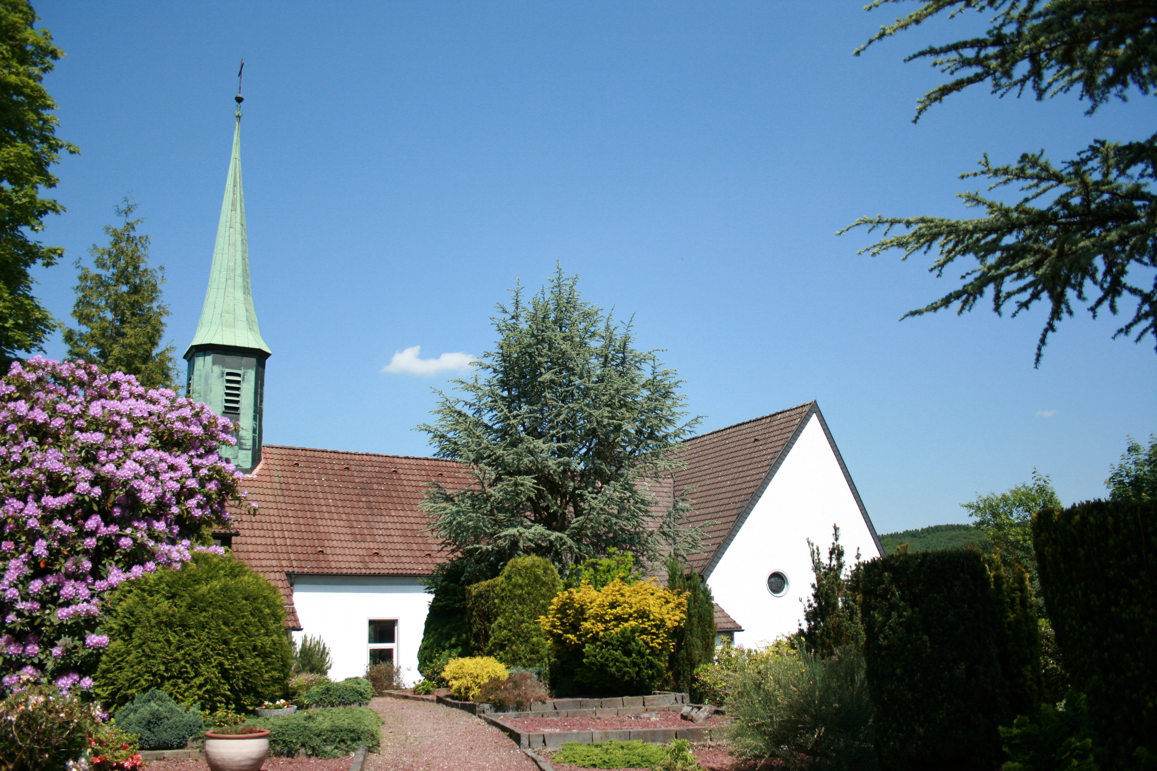 File:Halver Oberbrügge - Evangelische Kirche 04 ies.jpg