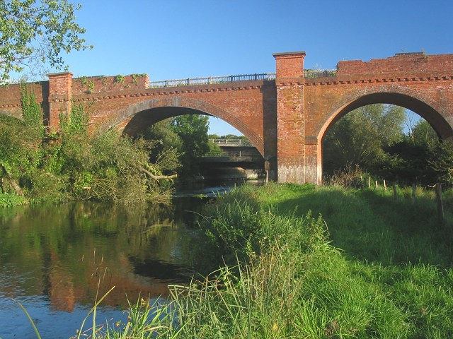 Hockley Viaduct spans River Itchen - geograph.org.uk - 54131