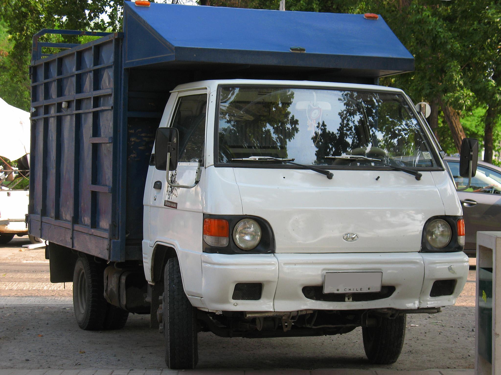 File:Hyundai H100 Porter Super 1997 (9551386696).jpg