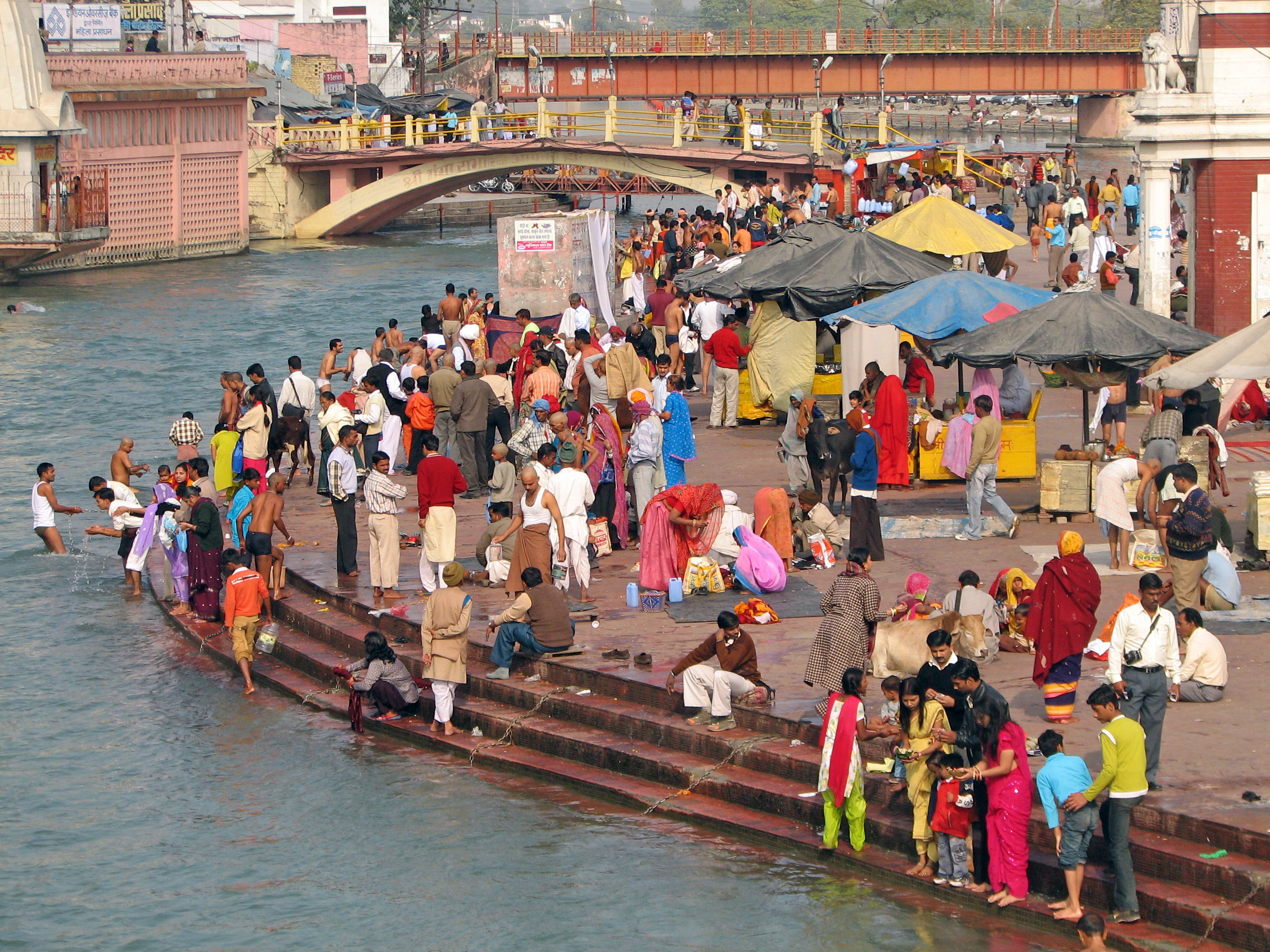 Haridwar India  City pictures : Description India Haridwar 005 Colourful pilgrims gathering for ...