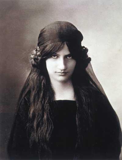 Jeanne Hébuterne (1898-1920) Jeanne_Hebuterne
