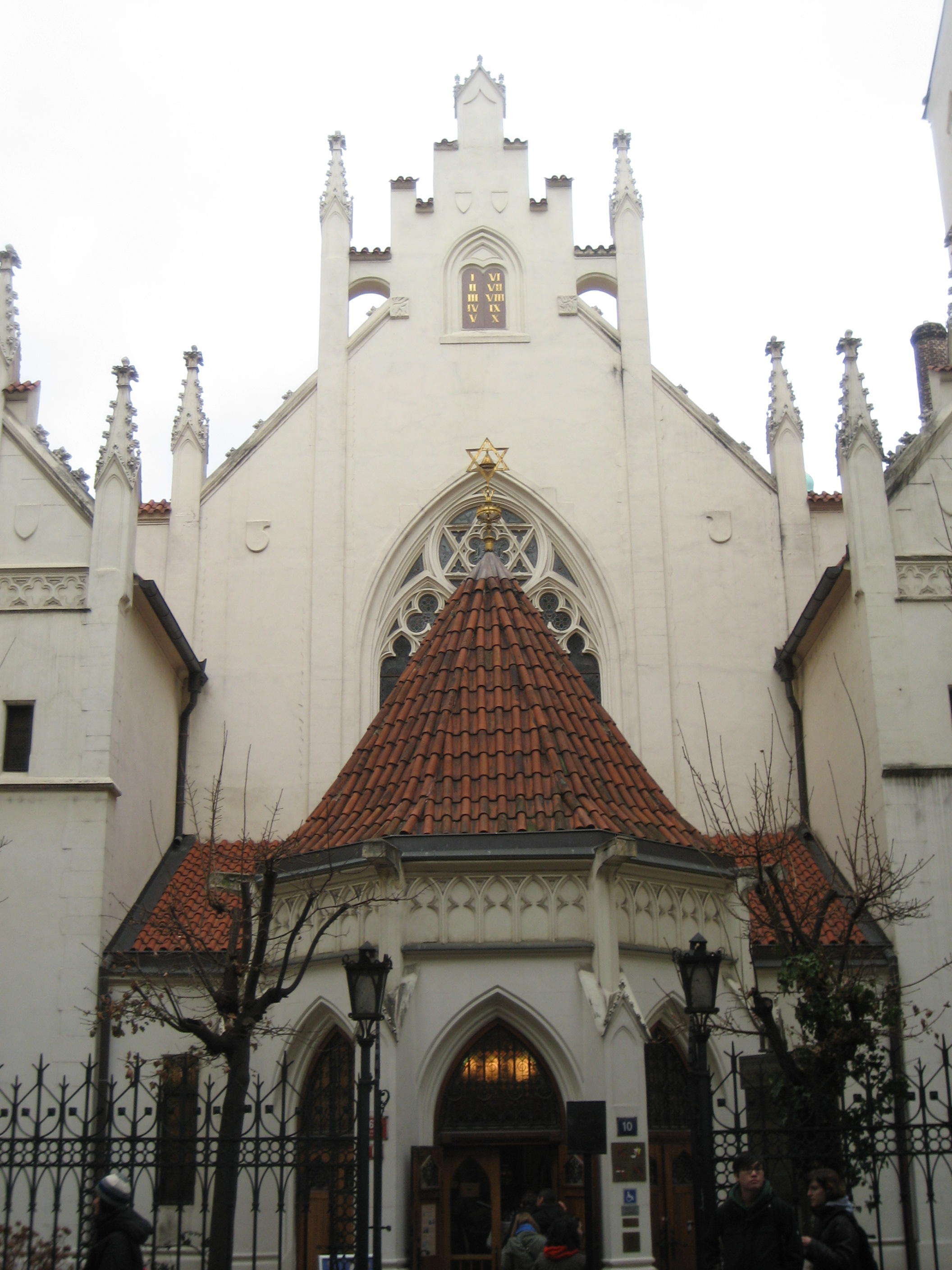 File:Jewish Synagogue in Prague Czech Rep.jpg - Wikimedia ...