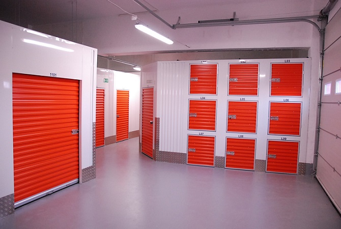 24 hour self storage units