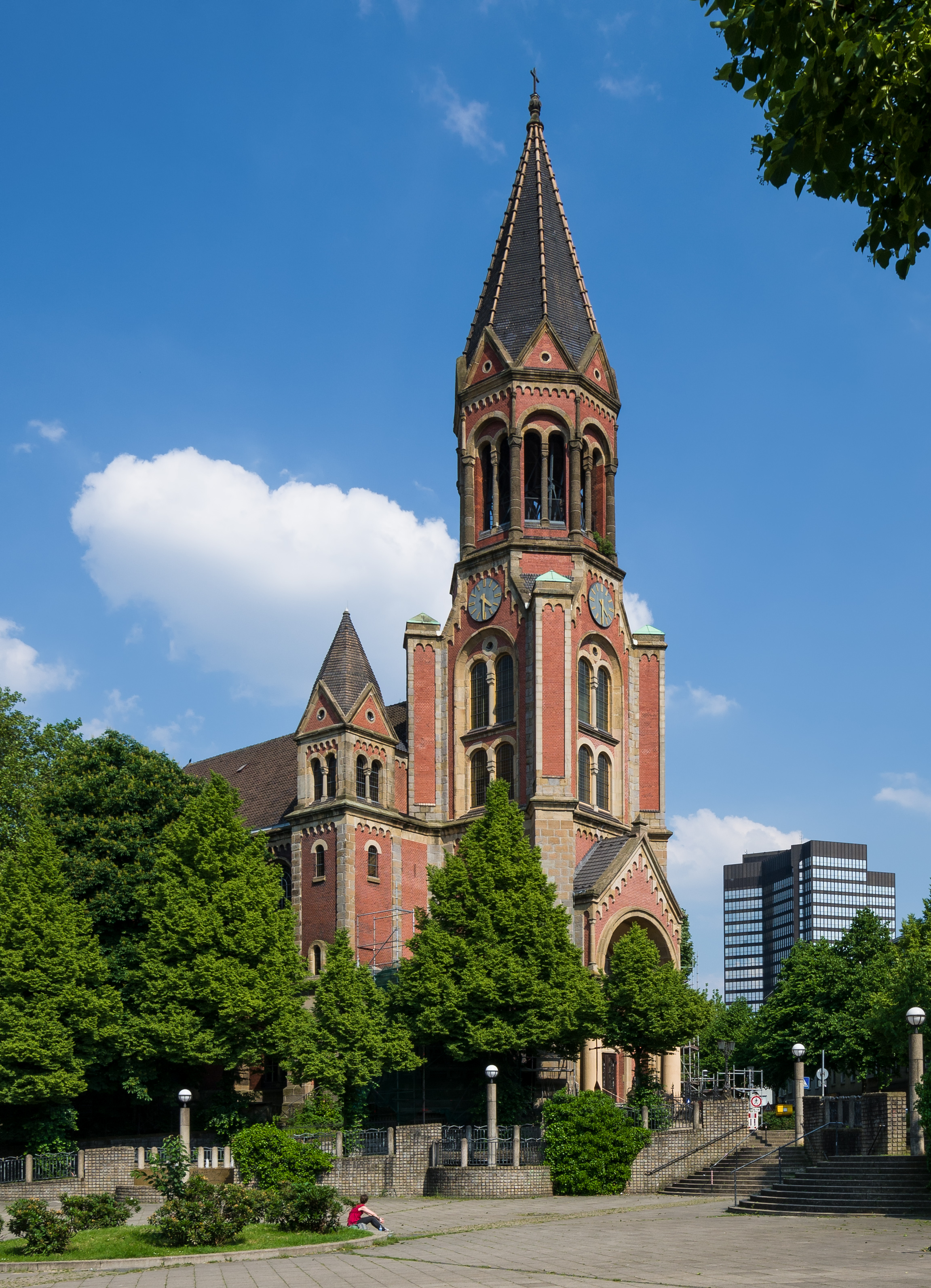 Kreuzeskirche -2013.jpg