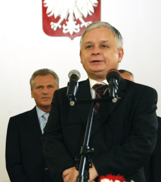 http://upload.wikimedia.org/wikipedia/commons/8/85/Lech_Kaczynski,_election_result_2005.jpg