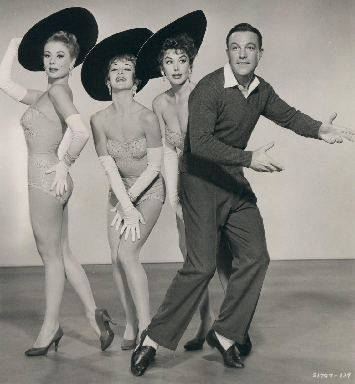 File:Les Girls (1957) still 1.JPG - Wikimedia Commons