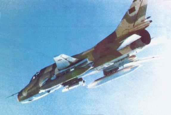 المقاتلات القاذفه Su-17/20/22 السوفييتيه Libyan_Su-22M-3K