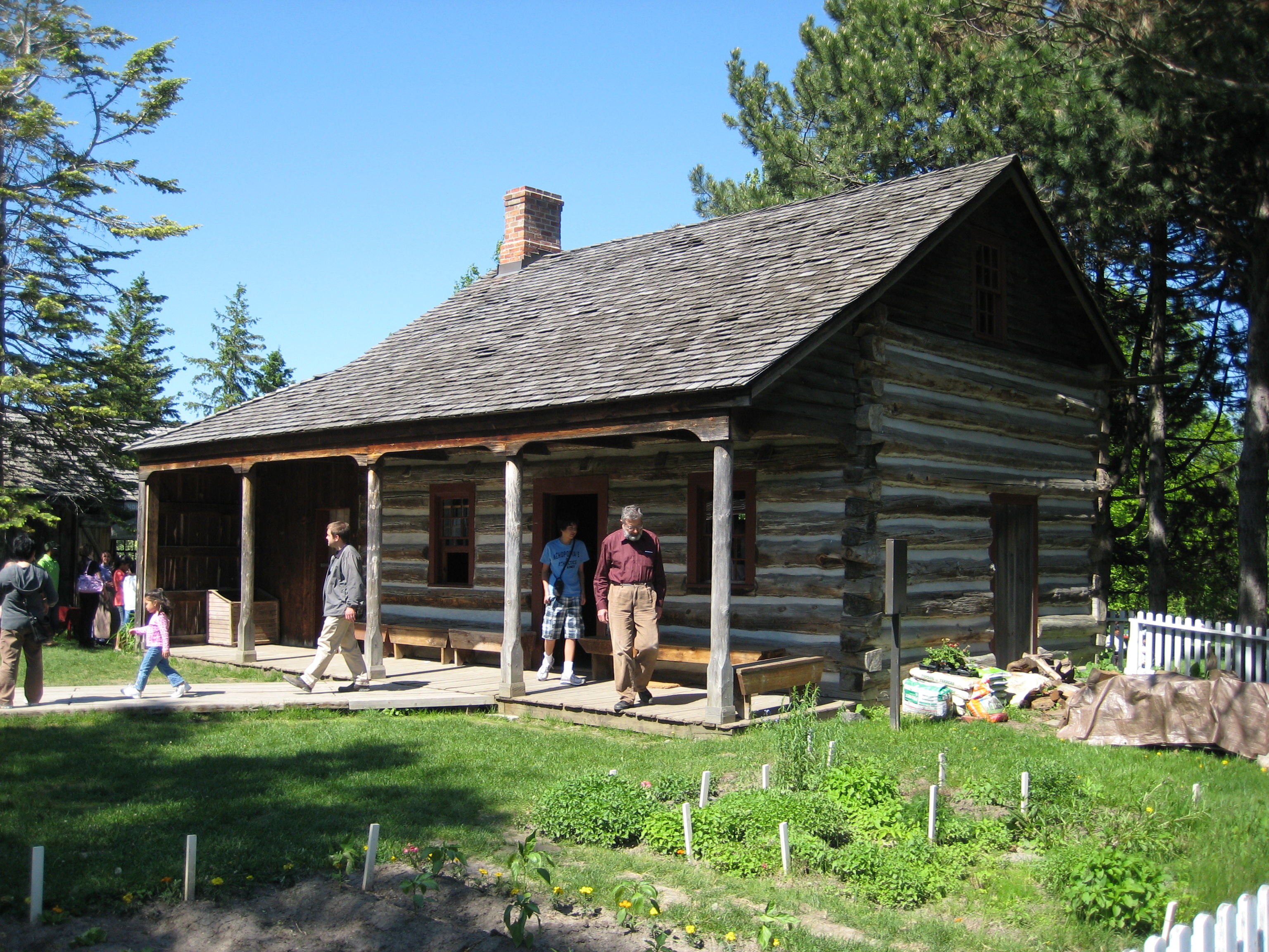 File Mccowan Log Cabin Jpg Wikipedia