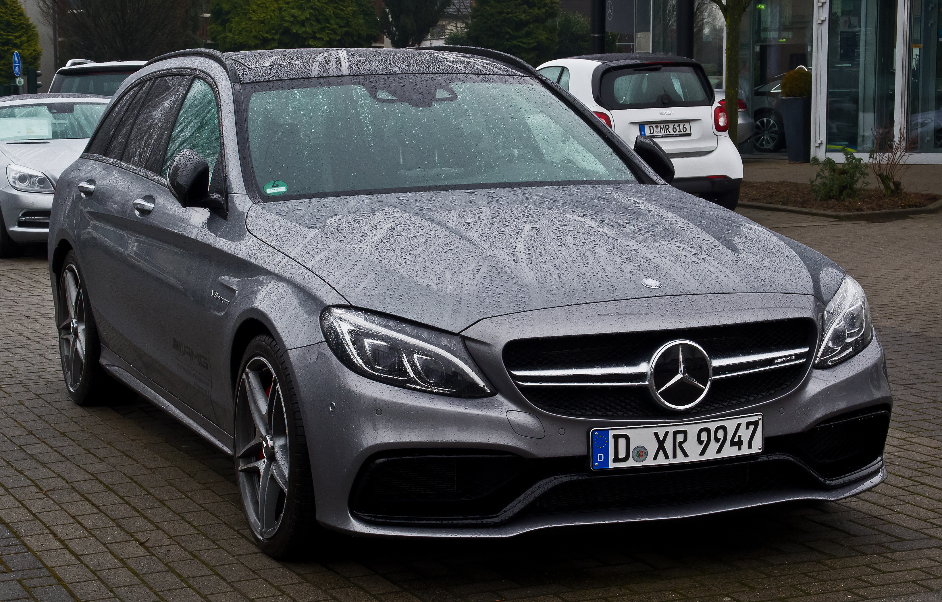 File:Mercedes-AMG C 63 S T-Modell (S 205) – Frontansicht ...