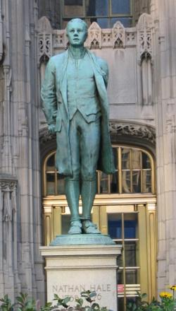 File:Nathan-Hale-statue-Chicago-Tribune-Tower-figure.jpg