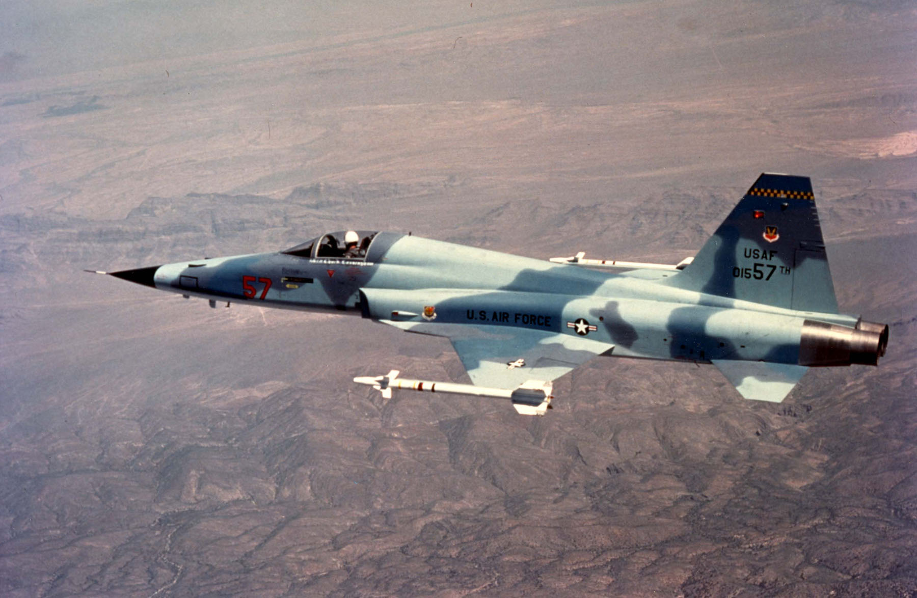 Northrop_F-5E_(Tail_No._01557)_061006-F-1234S-073.jpg