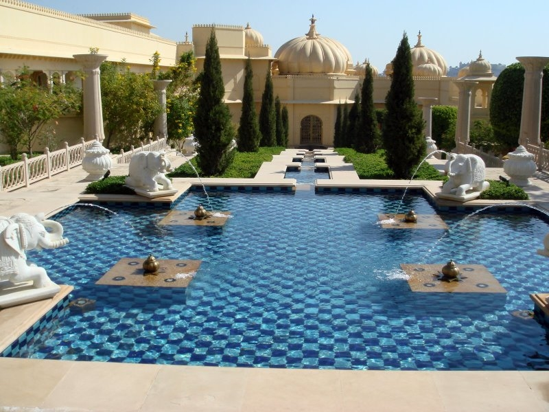 The grand amience of Oberoi hotels in Udaipur