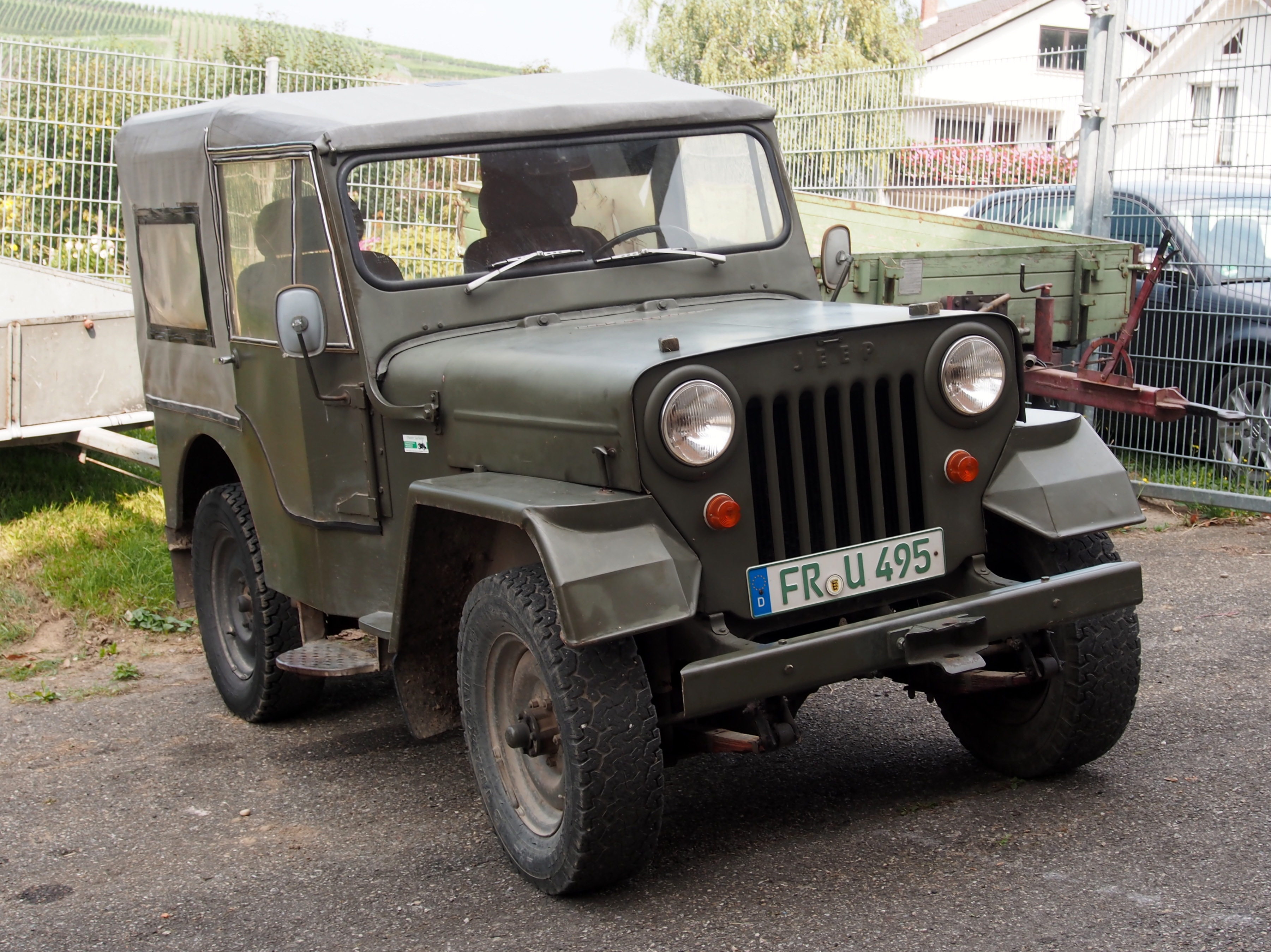 File:Old Jeep in France, pic2.JPG - Wikimedia Commons