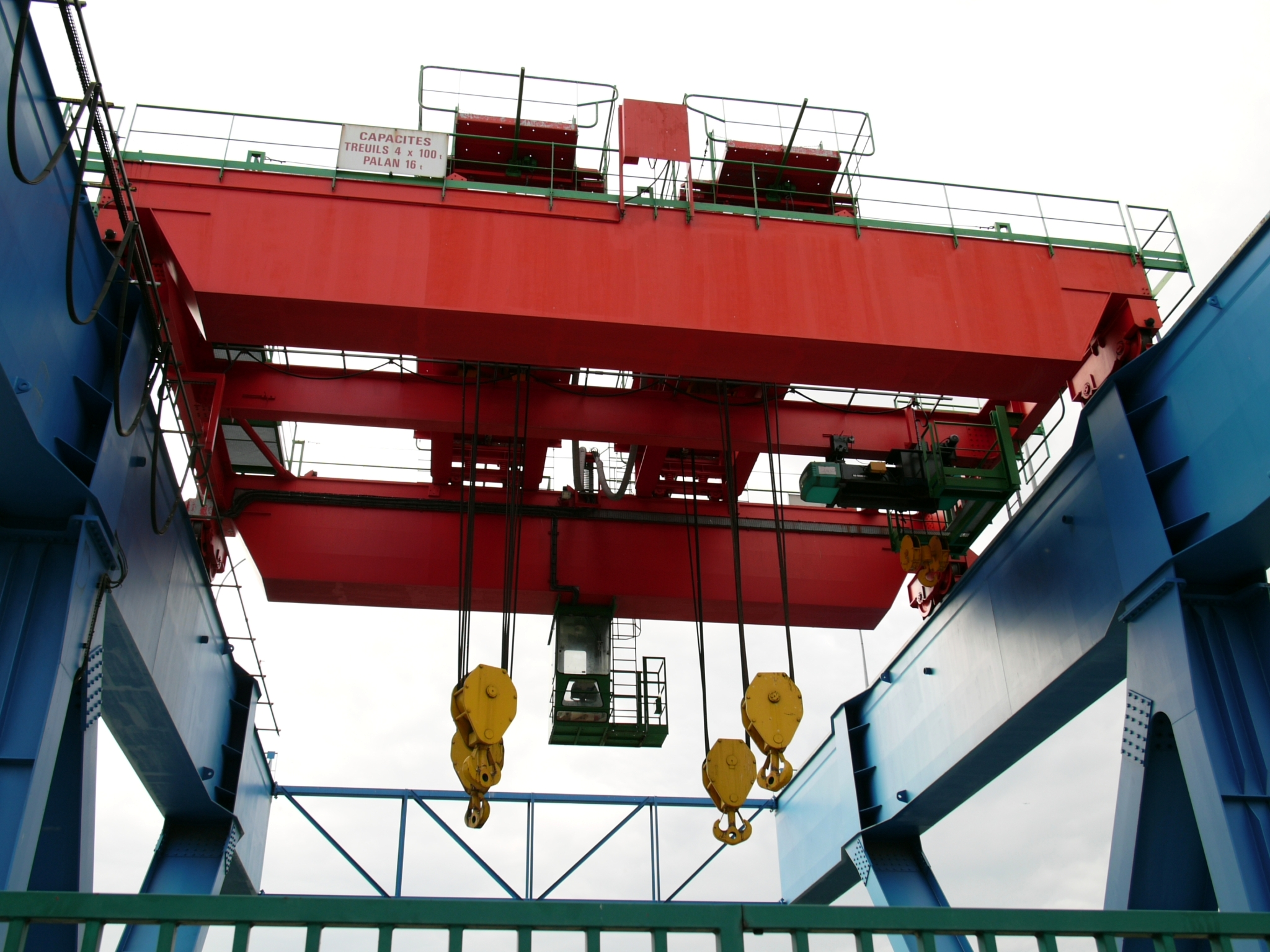 Over Head Cranes : File overhead crane g wikimedia commons