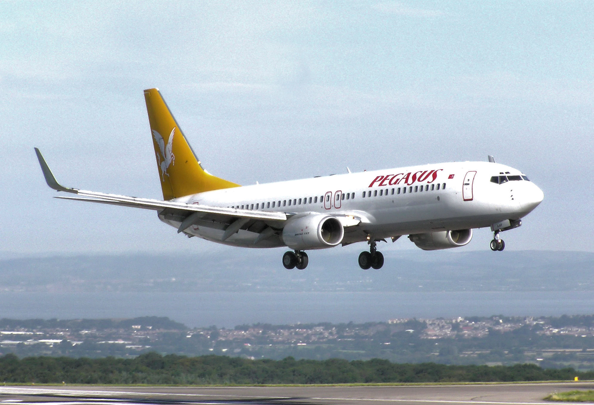 Pegasus uçağı iptal oldu, yolcular tepkili