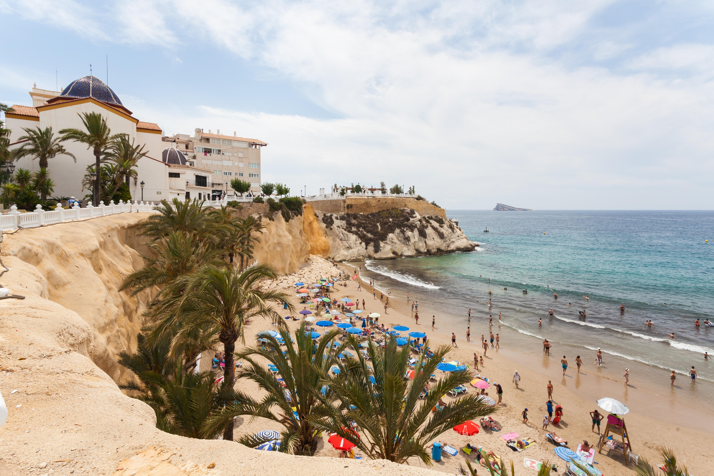 File:Playa de Poniente, Benidorm, España, 2014-07-02, DD 25.JPG - Wikimedia C...