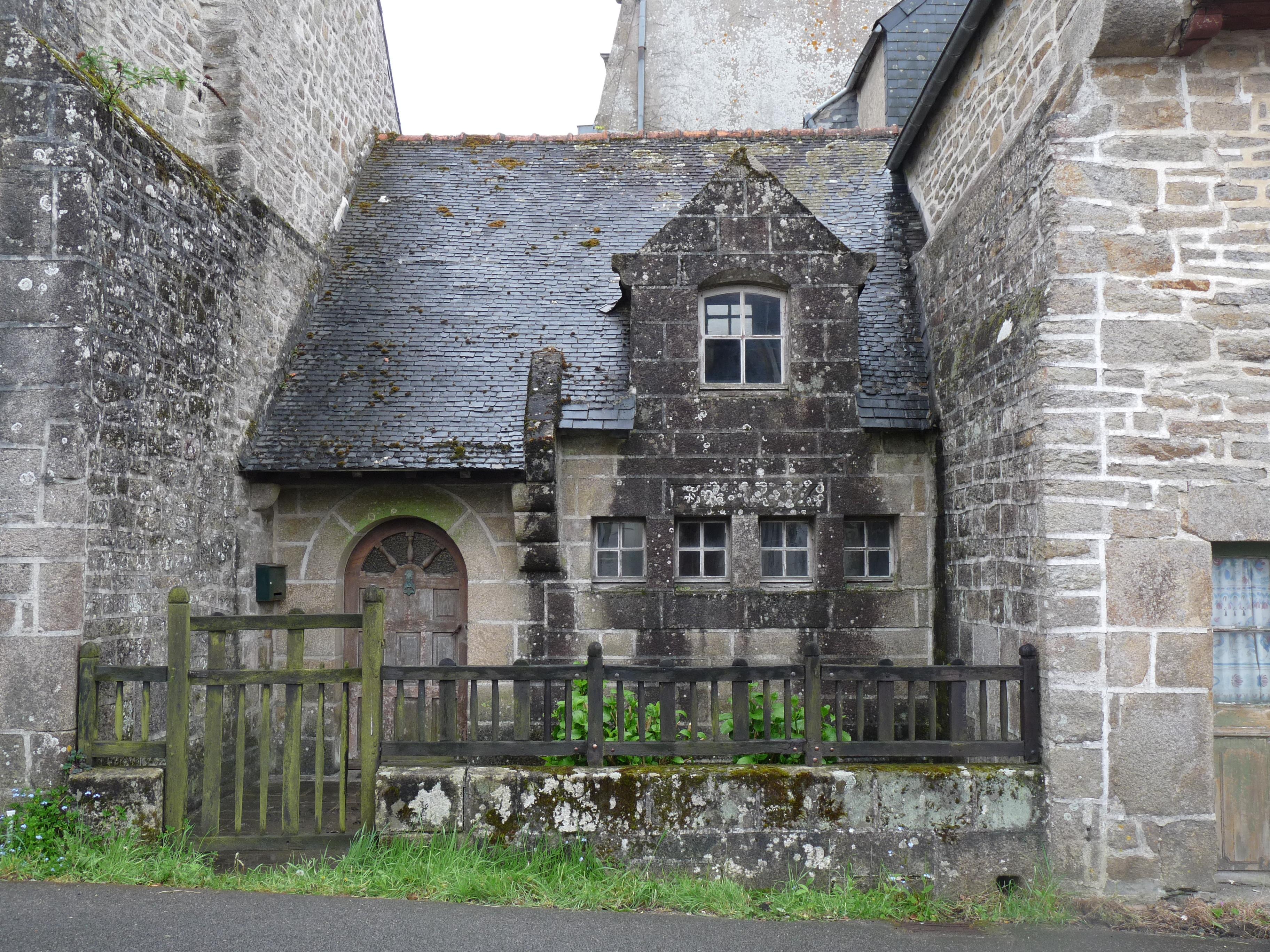 File pont croix vieille maison 2 jpg wikimedia commons - Comment renover une vieille maison ...