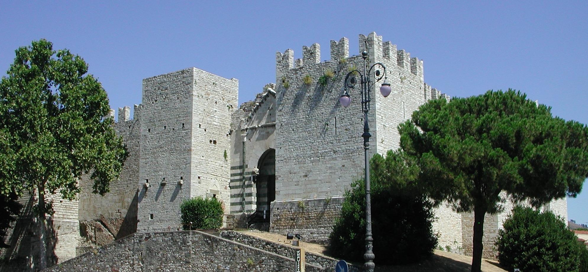 File:Prato - Castello dellImperatore 1.jpg - Wikimedia ...