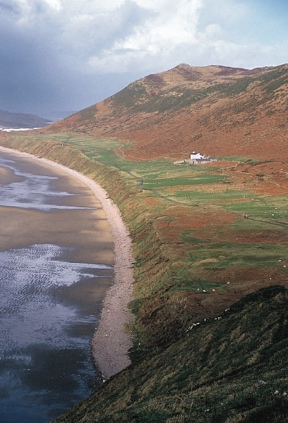 File:Rhossili-RaisedBeach.jpg