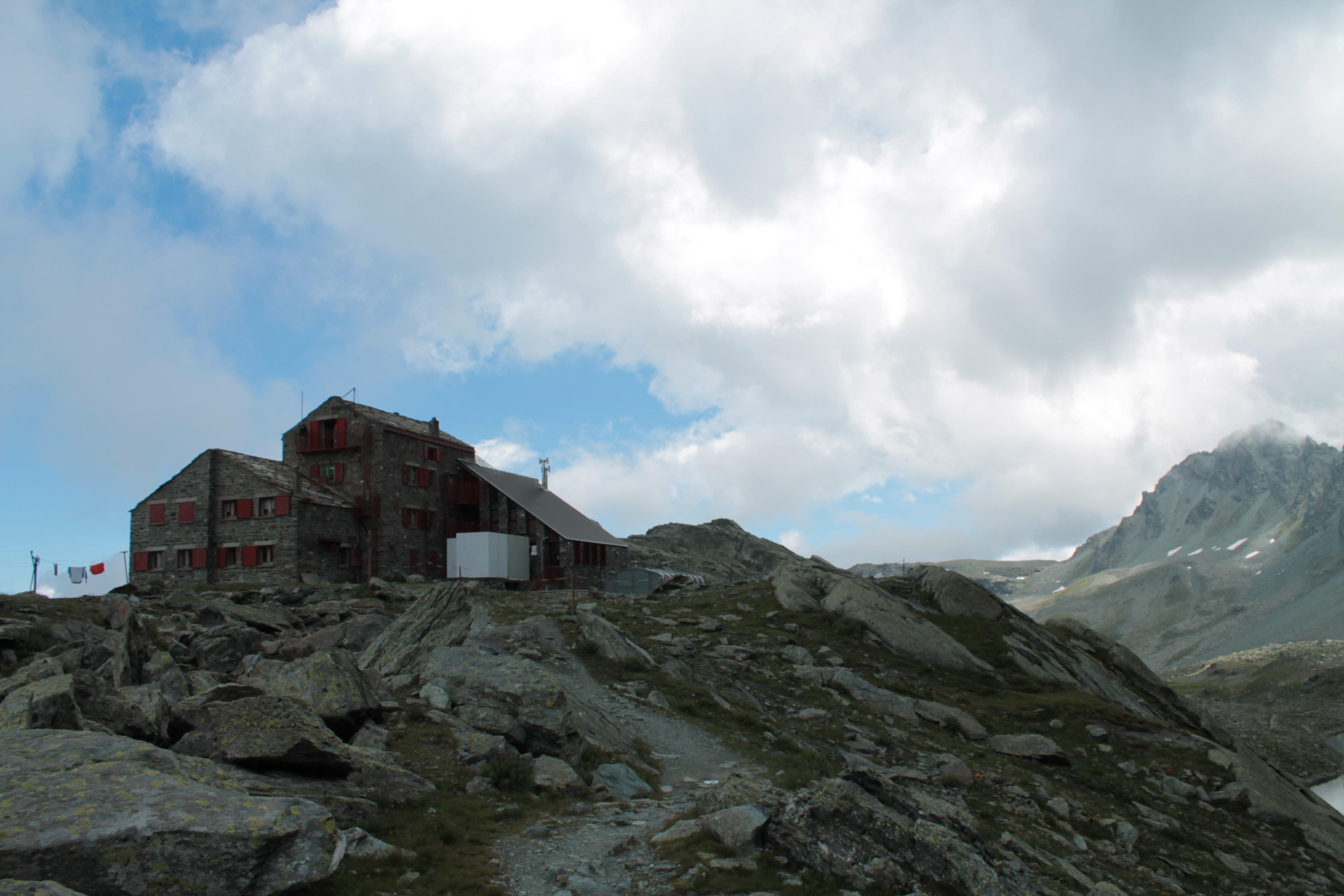 Rifugio Quintino Sella Monviso File:rifugio Quintino Sella al