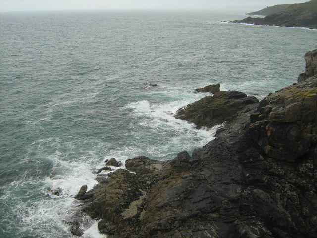 Rocks at Enys Point - geograph.org.uk - 1449102