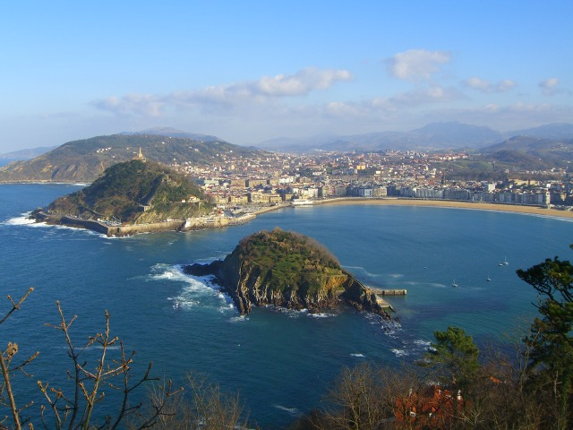 File:San Sebastian from Igeldo.jpg