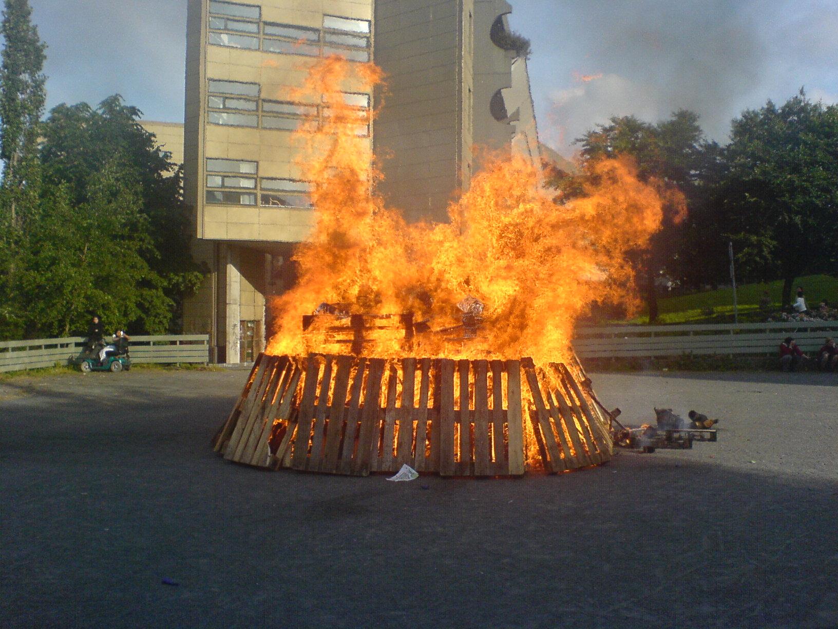 Norwegian St. Hansb l (bonfire) in Bergen.
