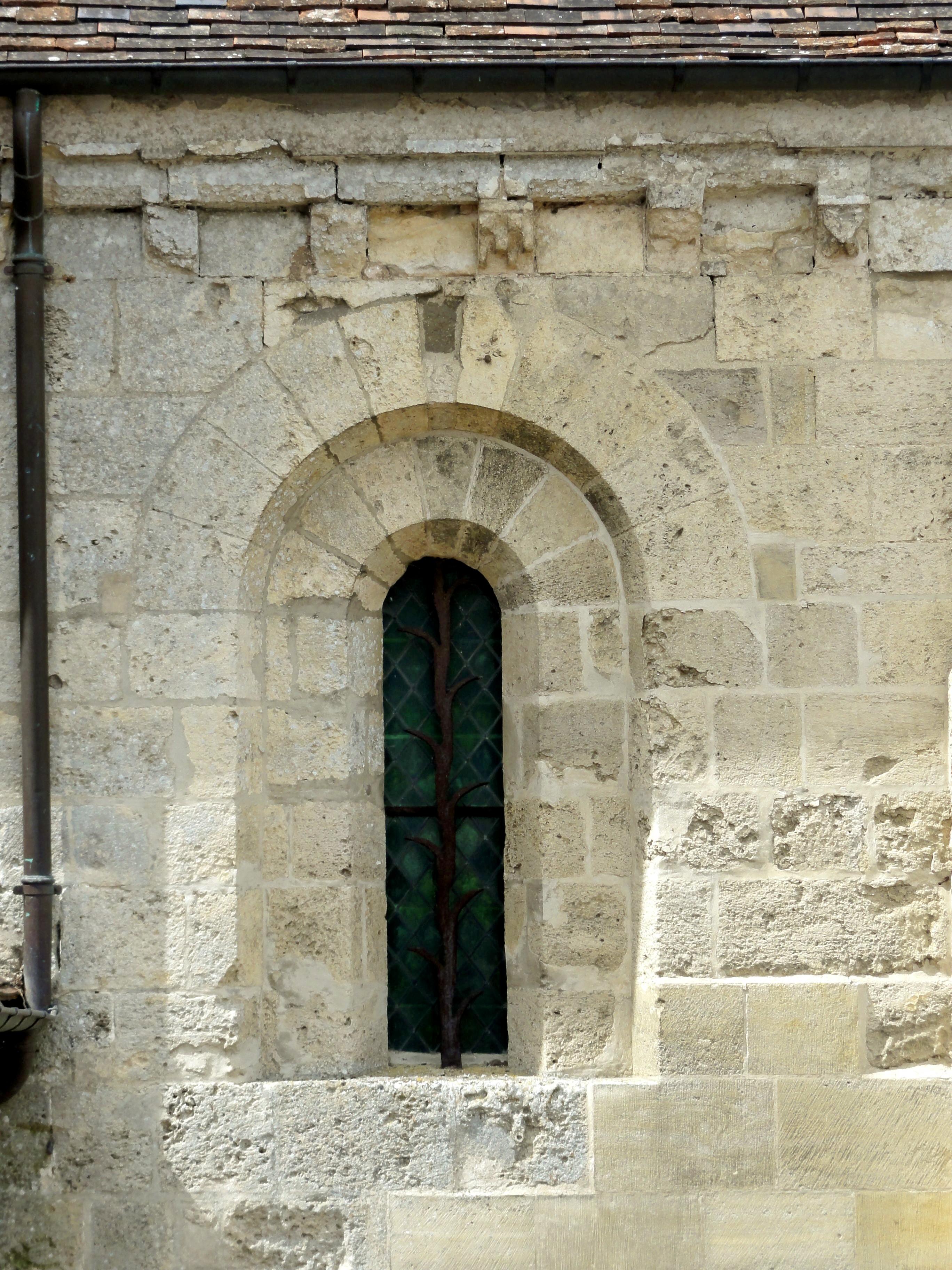 Fichier santeuil 95 glise saint pierre et saint paul for Fenetre orientale