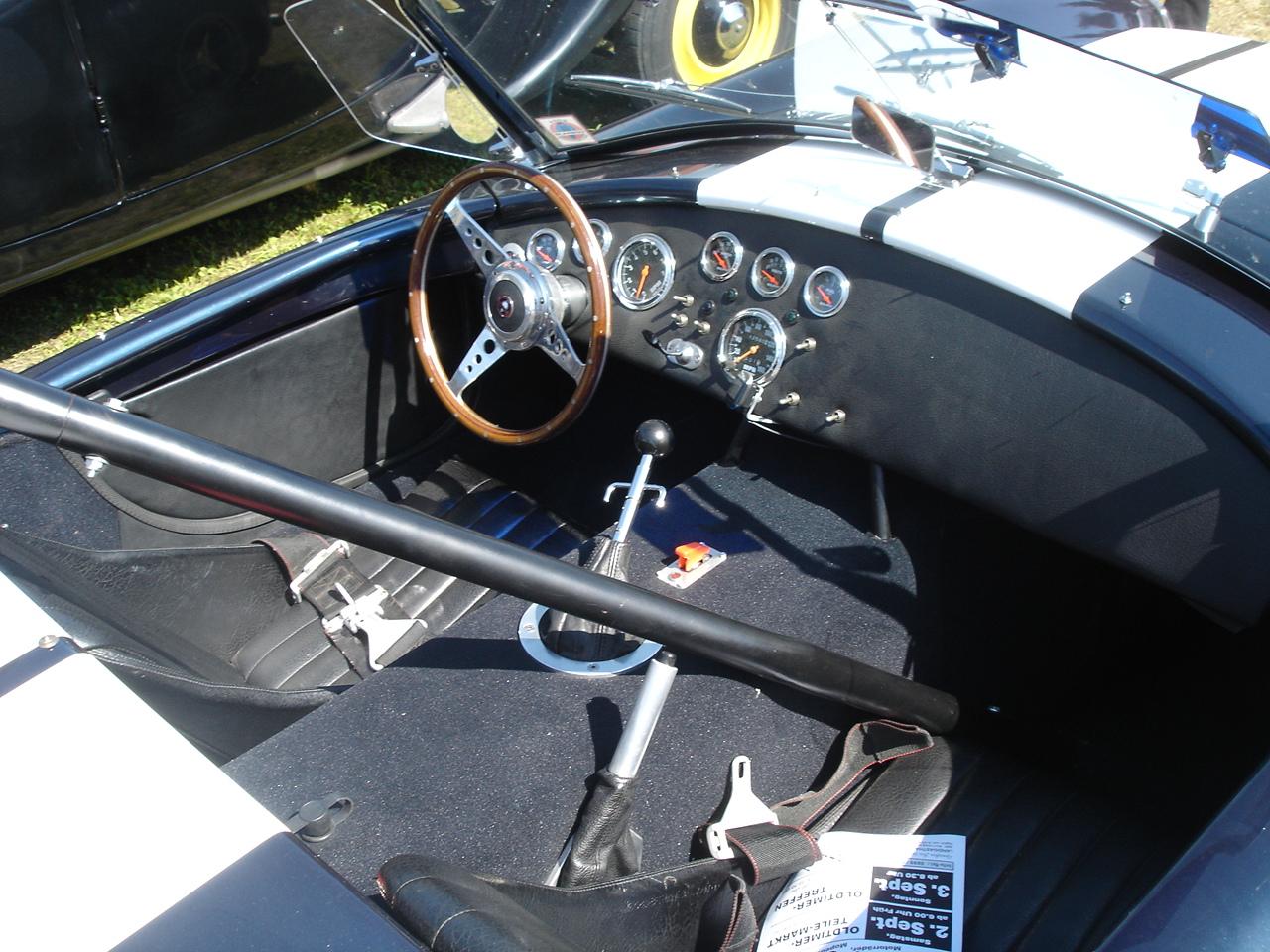 Файл:Shelby Cobra inside jpg — Википедия
